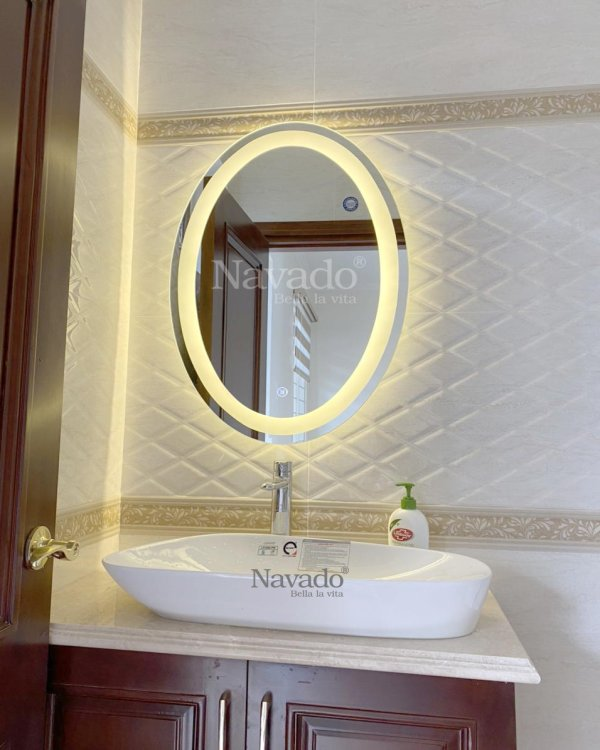 BATHROOM LED BEAUTY MIRROR