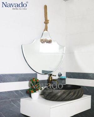 ROBUST BATHROOM MIRROR