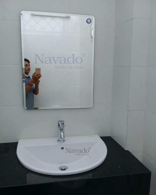 BATHROOM MIRROR NAV102C