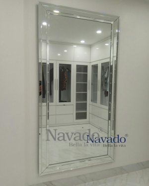 SELLING GLASS WALLS WITH FULL BODY SOI WALL