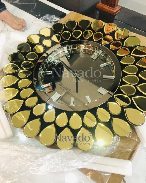 METAL WATCHES GOLD PEACOCK GOLD