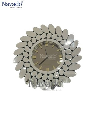 SILVER CLOCK MIROR DECORATE LIVING ROOM