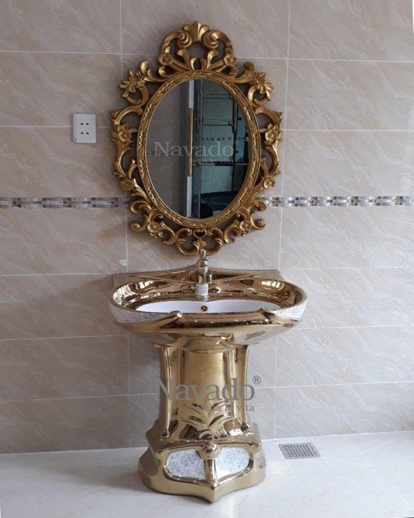 LUXURY ZUES BATHROOM WALL MIRROR