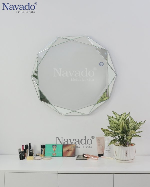 CRYSTAL MAKEUP MIRROR WITH LUXURY STYLE