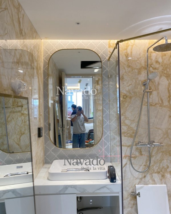WALL BATHROOM MODERN BATHROOM WITH GOLD INOX FRAME