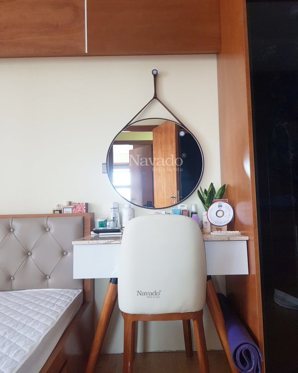 WALL BEDROOM MODERN ROUND LEATHER STRAP MAKEUP MIRROR