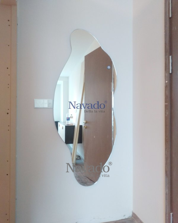 WALL HOUSE ART DECOR MIRROR WITH FREESTYLE