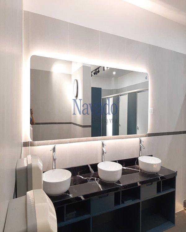 MODERN LARGE LED BATHROOM MIRROR  WITH MODERN STYLE