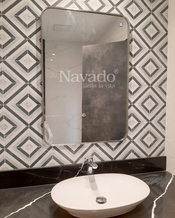BATHROOM RECTANGLE MIRROR WITH SILVER FRAME