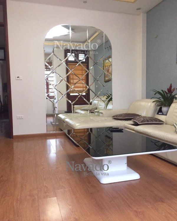 DECORATE LIVING ROOM BY ART MIRROR