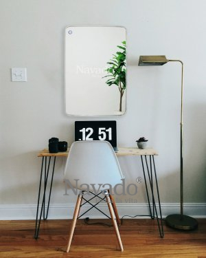MODERN RECTANGLE MIRROR WITH SILVER FRAME