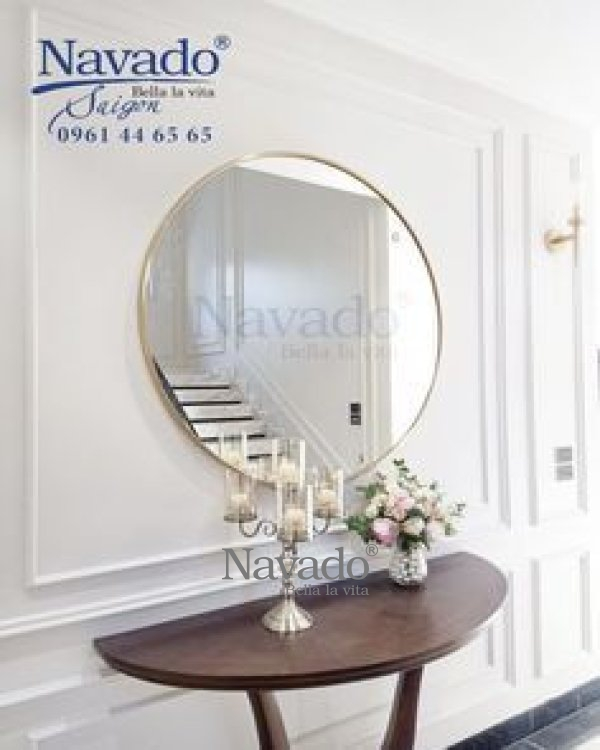 WALL DECOR LUXURY ROUND MIRROR WITH SILVER FRAME