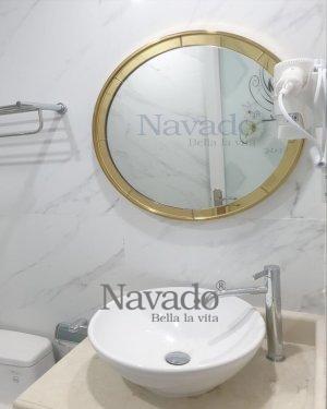 ROUND BATHROOM MIRROR WITH GOLD FRAME DECOR