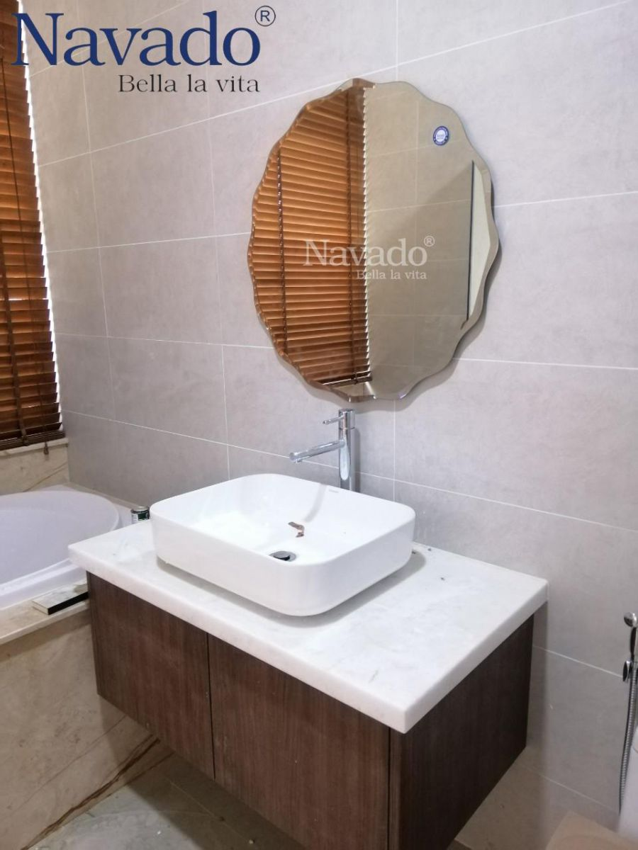 Modern-bathroom- mirror